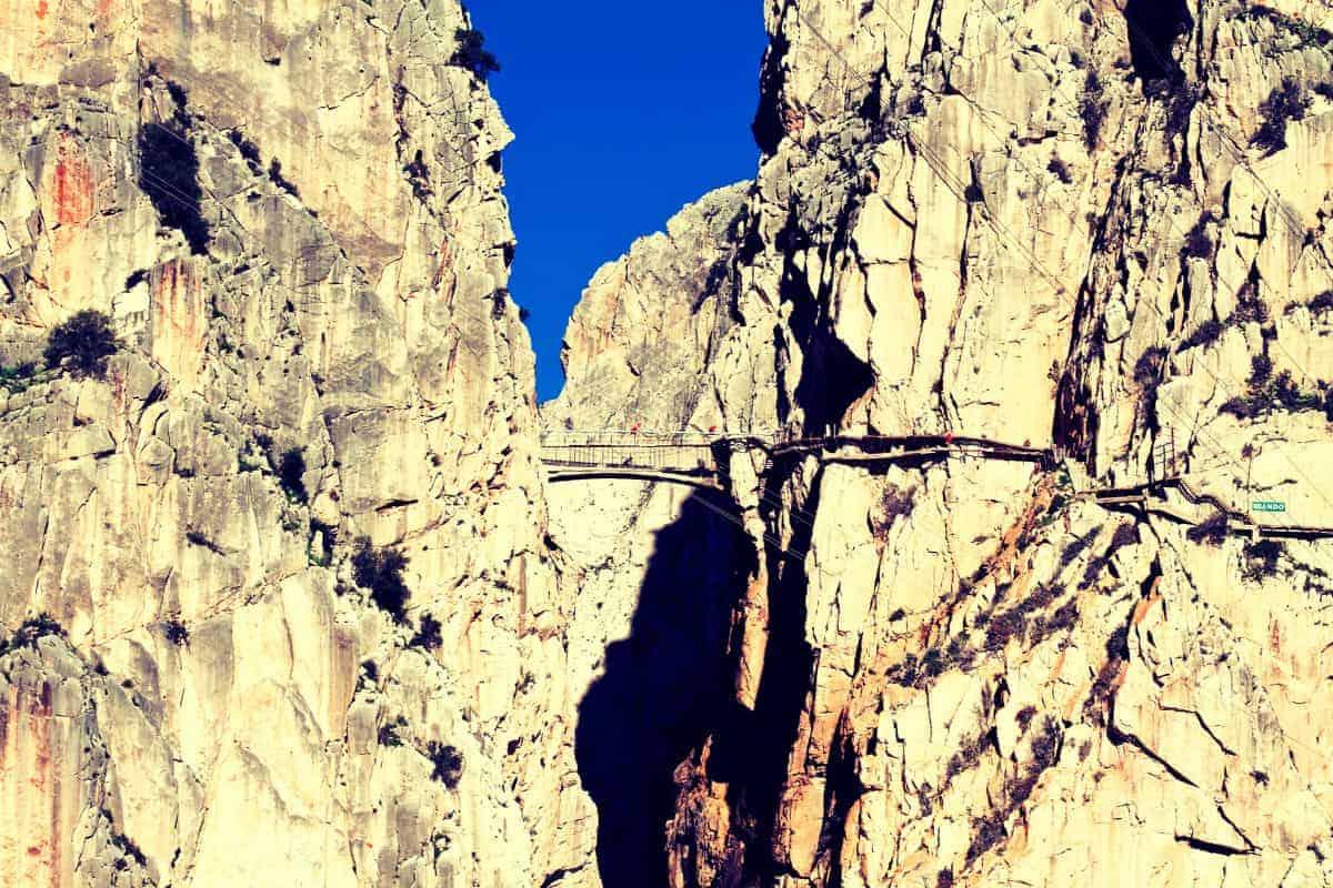 Most Dangerous Walkway in World El Caminito Cliffs