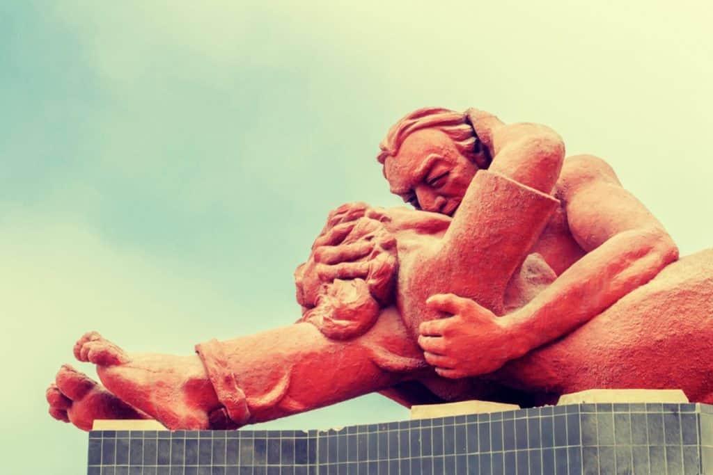 El Beso (the Kiss) statue in Love Park Lima Peru